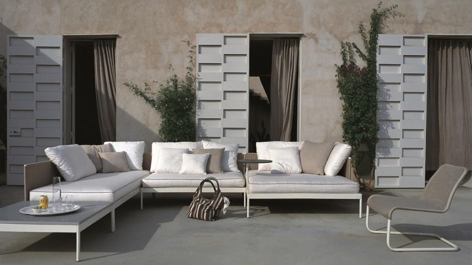 wohnen im freien mit gartenm beln von roda ueli frauchiger design. Black Bedroom Furniture Sets. Home Design Ideas