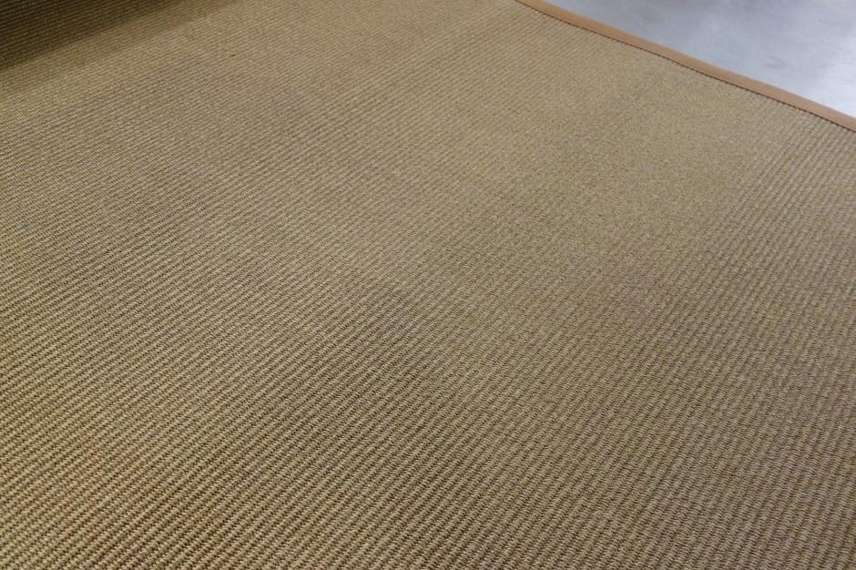 Manila Teppich von Ruckstuhl  Ueli Frauchiger Design