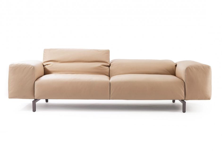 Scighera sofa von cassina bei uns zu sehen ueli for Sofa von oben